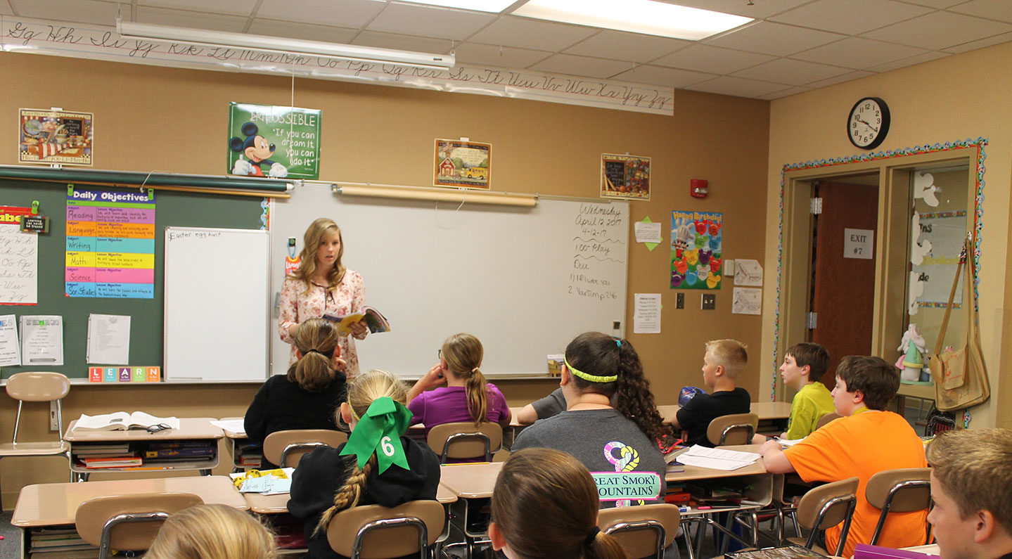 SMWC student teaching an elementary class