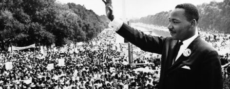 Dr. Martin Luther King in front of audience at the Washington Monument