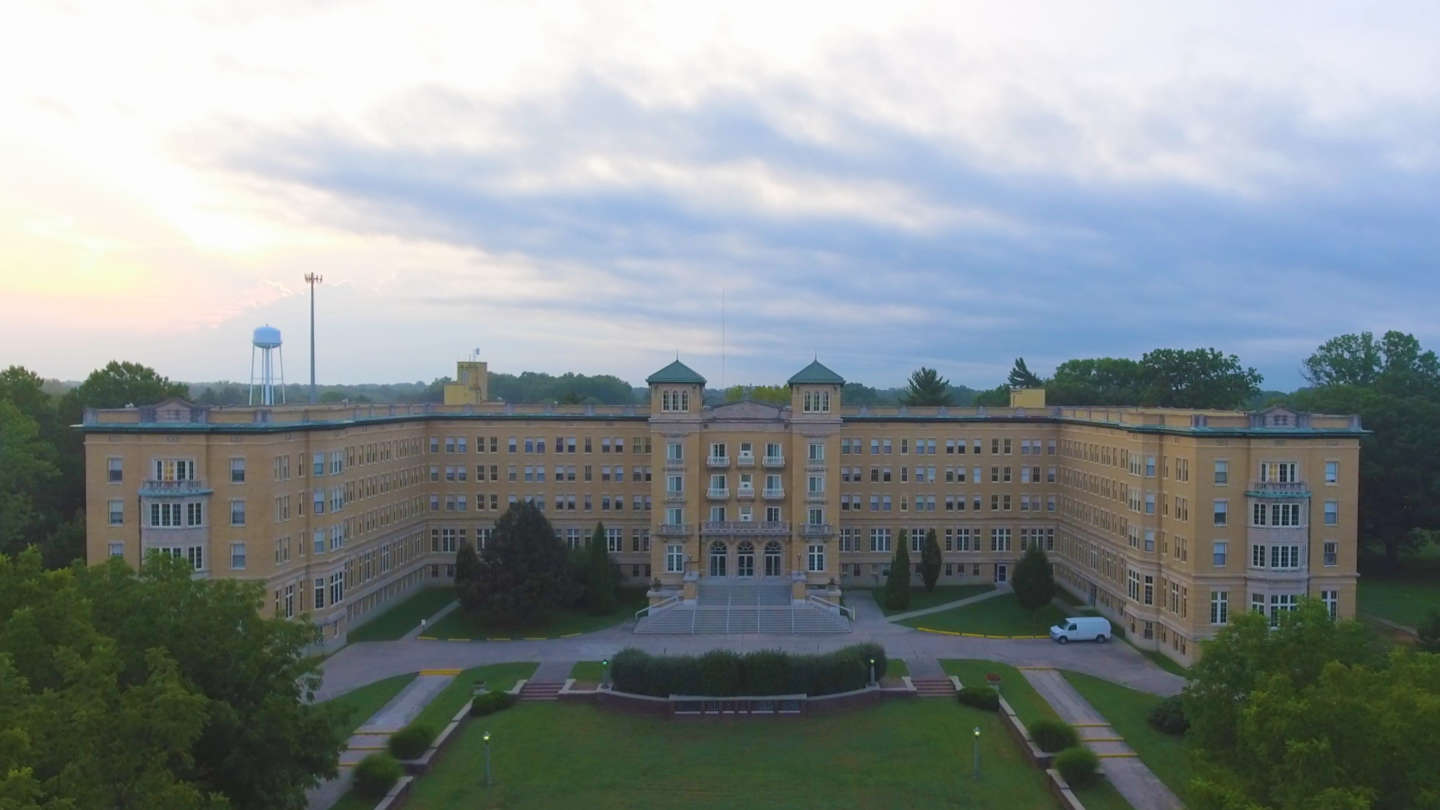 Aerial photo of Le Fer Hall