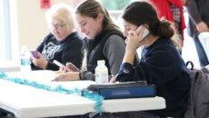 Group of alumni making calls during WoodsGivingDay
