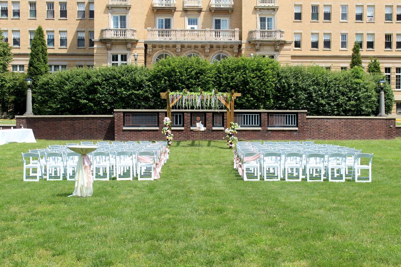 Le Fer wedding in the Sunken Gardens